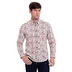 Gabicci Vintage - Tan classic fit printed woven shirt