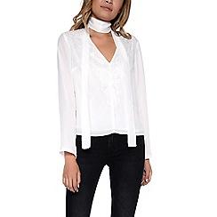 Amalie & Amber - White shirt with choker