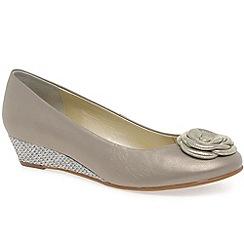 Van Dal - Beige 'Gabriel' women's court shoes