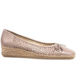 Van Dal - Taupe 'Monetary' women's casual shoes