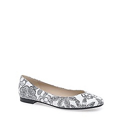Peter Kaiser - White 'Katri' womens leather ballet pumps