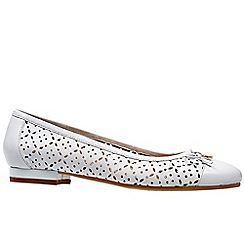 Van Dal - White leather 'Wentworth' flat wide fit ballet pumps