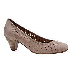 Gabor - Beige 'Arberia' court shoes
