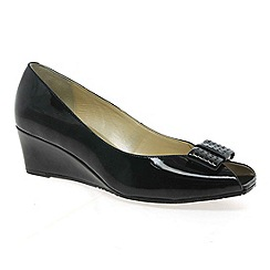 Van Dal - Black patent 'Pasadena' womens court shoes