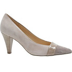 Gabor - Beige 'Erskine' womens court shoe