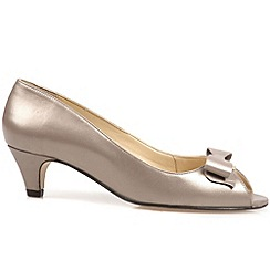 Van Dal - Beige 'Belton' womens open court shoes