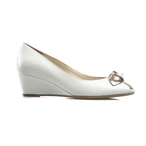 Van Dal - White +Manila+ ladies court shoes