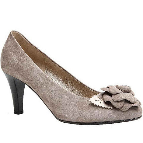 Gabor - Beige +martina+ suede court shoes