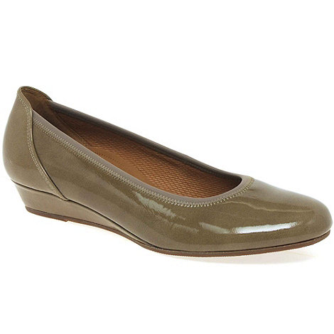 Gabor - Taupe +Chester+ ladies wide fit low wedge pumps