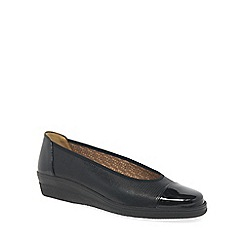 Gabor - Near black 'Petunia' wide fit pumps