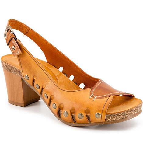 Pikolinos - Tan pier womens buckle fastening sandals