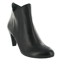 Marta Jonsson - Black leather ankle boot with a zip