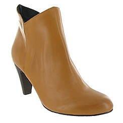 Marta Jonsson - Tan leather ankle boot with a zip
