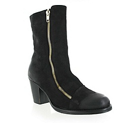 Marta Jonsson - Black nubuck ankle boot
