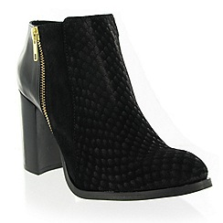 Marta Jonsson - Black suede ankle boot
