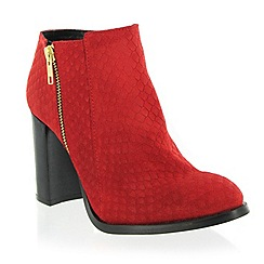 Marta Jonsson - Red suede ankle boot