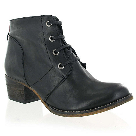 Marta Jonsson - Black leather ankle boot