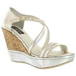 Marta Jonsson - Gold leather wedge shoe