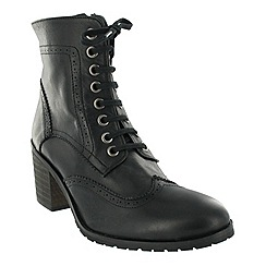 Marta Jonsson - Black brogue ankle boot with laces