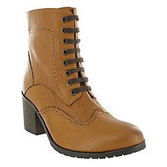 Marta Jonsson - Tan brogue ankle boot with laces