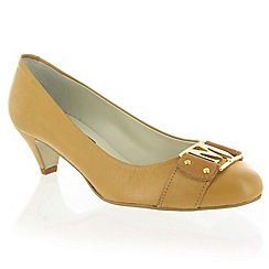 Marta Jonsson - Tan leather court shoe