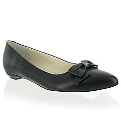 Marta Jonsson - Black leather shoe