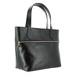 Marta Jonsson - Black shoulder bag with front pocket