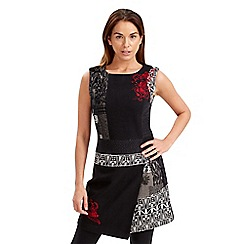 Joe Browns - Black individuals dress