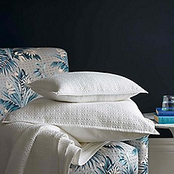 Christy - White 'Amalfi'  cotton sateen throw