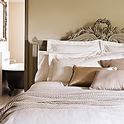 Christy - Cream 'Chantilly bed linen
