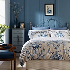 Christy - China Blue 'Toile' Bed linen