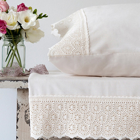 Christy - Cream 'Chloe' sheets