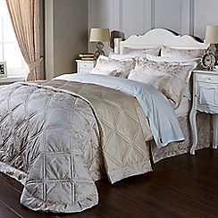 Christy - Stone 'Tiverton' Bedding