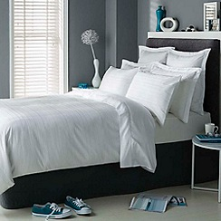 Christy - White 'Vermont' bed linen
