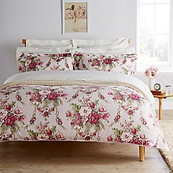 Christy - Mulberry 'Tapestry' duvet set