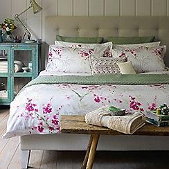 Christy - Cherry 'Osaka' 230 Thread Count Cotton Sateen Bedding Set