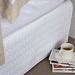 Christy - White 'Lattice' sheets