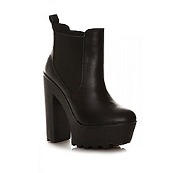 Quiz - Black PU Cleated Sole Platform Ankle Boots