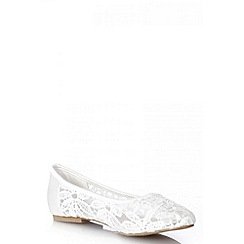 Quiz - Cream lace pumps
