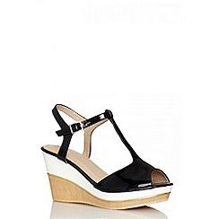 Quiz - Black patent wood wedges