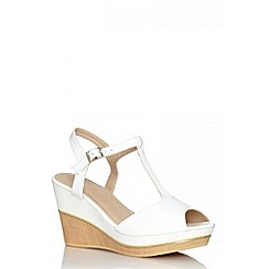 Quiz - White patent wood wedges