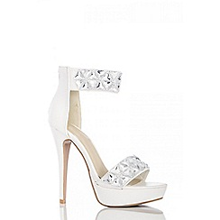 Quiz - White triangle jewel strap platform shoes