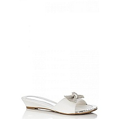 Quiz - White diamante bow low wedge sandals