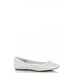 Quiz - Silver triangle diamante pumps