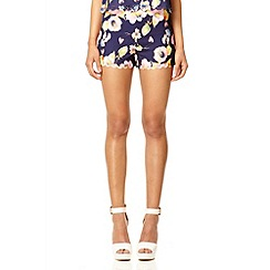 Quiz - Navy flower laser cut scallop shorts