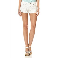 Quiz - White denim crochet front shorts