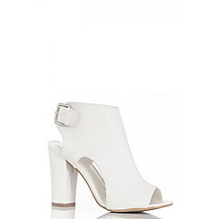 Quiz - White block heel shoe boots