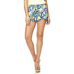 Quiz - Blue abstract print pom pom hem shorts