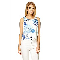 Quiz - Cream crepe floral print scallop hem top