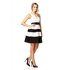 Quiz - Cream textured stripe skater dress